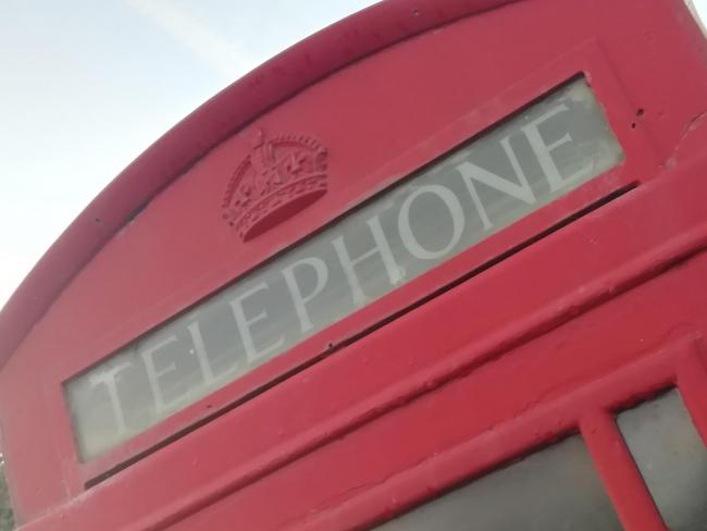 The Hillview Road telephone box needs to be cleaned, primed and repainted