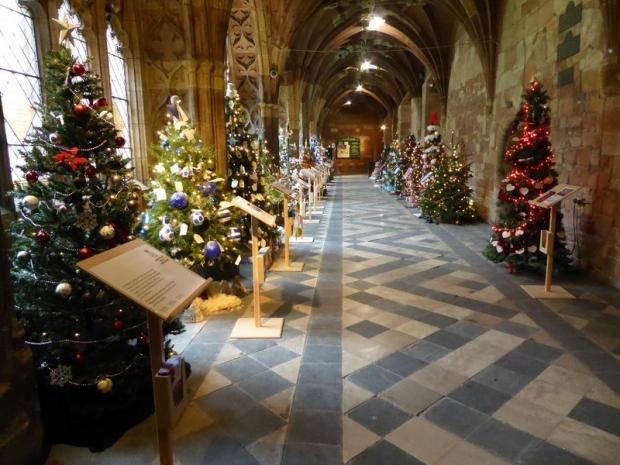 Worcester News: Worcester Cathedral at Christmas