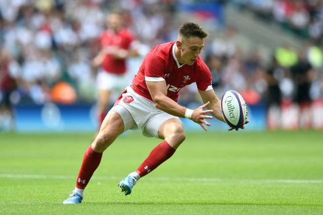 Josh Adams of Wales gathers the ball - Mandatory byline: Patrick Khachfe/JMP - 07966 386802 - 11/08/2019 - RUGBY UNION - Twickenham Stadium - London, England - England v Wales - Quilter International