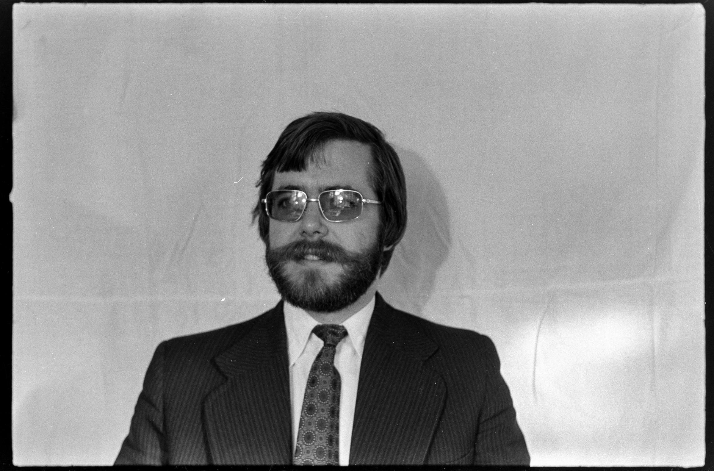 Roy Fido, Inspetor de Saúde Pública
