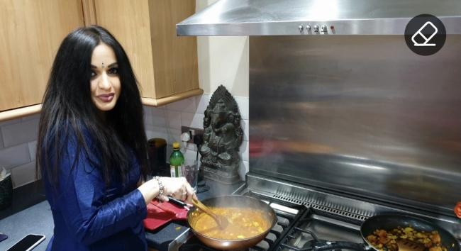 A live online cooking session with Suman