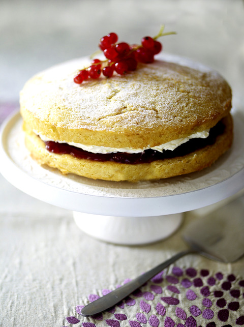 Mother's Day Victoria Sponge