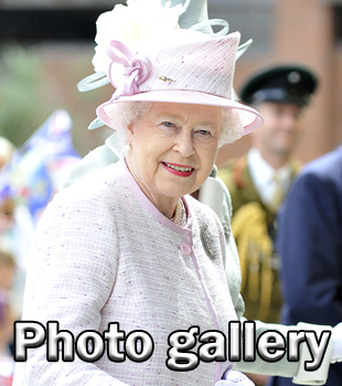 Queen visits Worcester