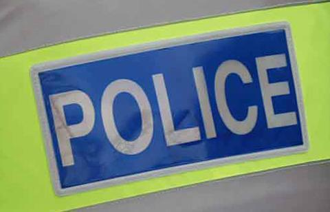 Teenager threatened with knife during robbery attempt