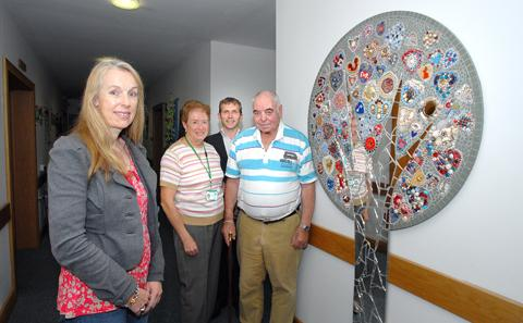 CREATIVE: Artist Victoria Harrison with St Richard's Hospice volunteer Chris Brighton, Worcestershire County Council's art officer Steve Wilson and patient John Parkin (38134001)