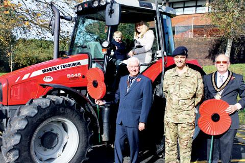 Farmers urged to display poppies