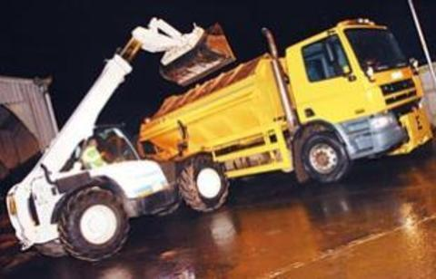 Gritters on standby with temperatures set to fall
