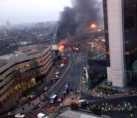Helicopter crash in London - two dead