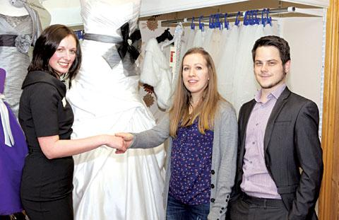 Worcester News: WEDDING PRIZE WIN: From left to right: Sarah Bowman of A-Z Wedding Services, bride-to-be Emily Dexter, of Lower Wick, Worcester, and her fiance Shaun Mooney.