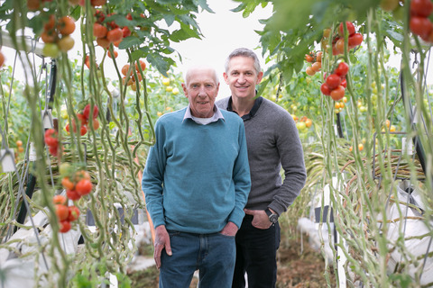 Gary Lineker and his father Barry visit a tomato grower in the Vale of Evesham.