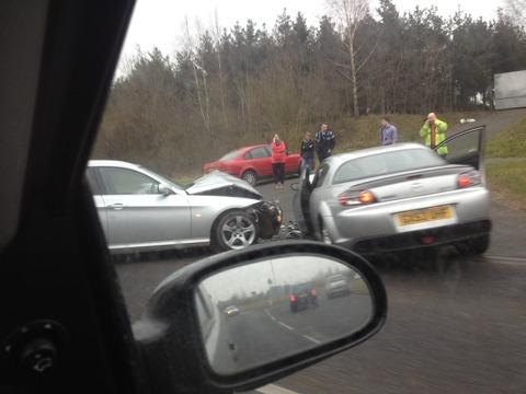 Crash partially blocks A44