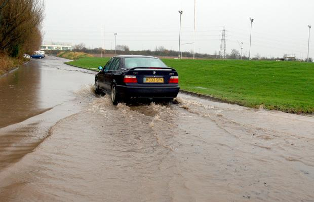 Worcester News: Motorists are struggling this morning as the weather continues to cause problems