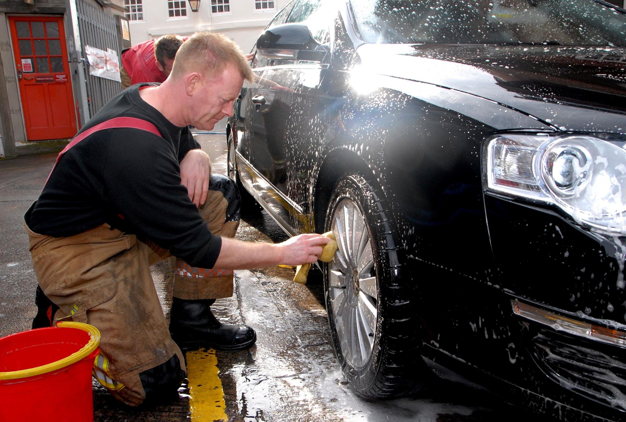 Paul Jackson 08.03.14 Worcester Firefighters charity car wash at Worcester Fire Station. Firefighter Dave Healy. (4468394)