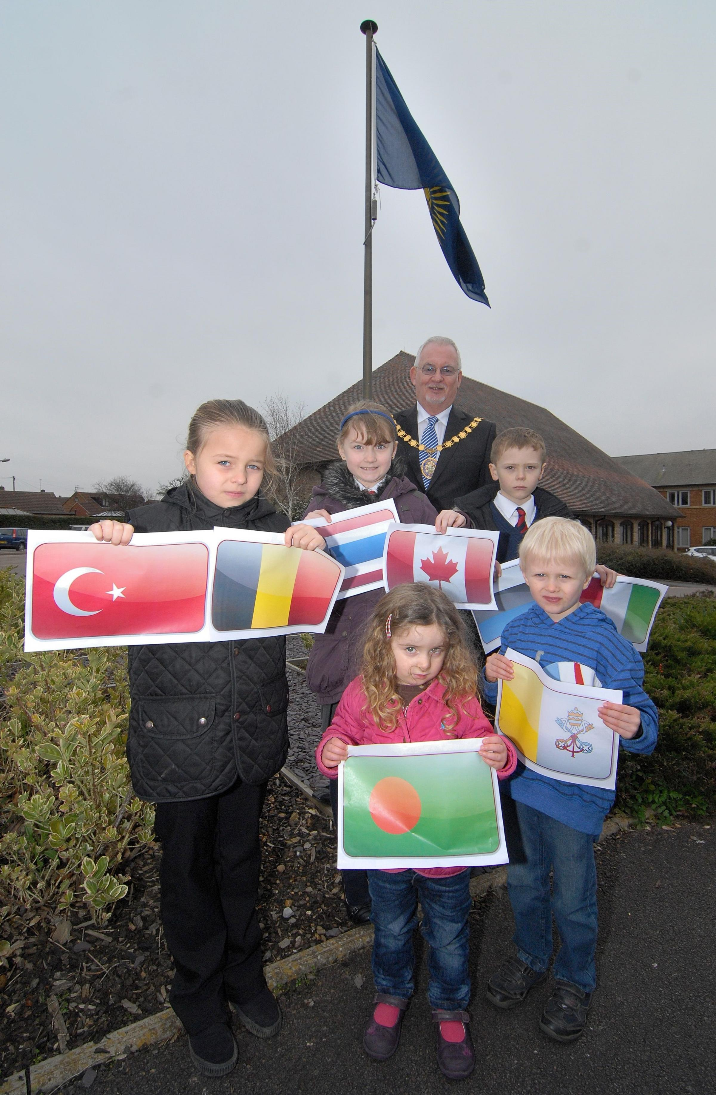 Council flies flag for commonwealth