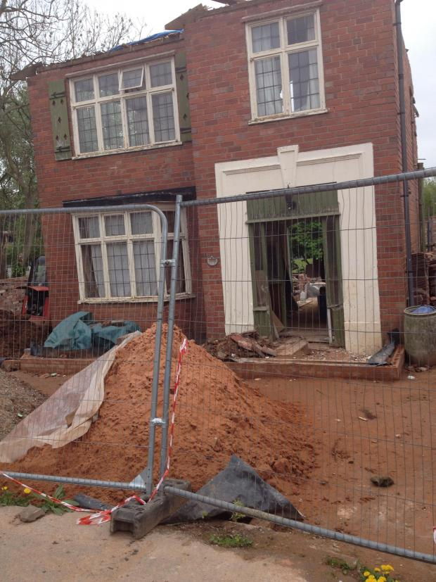 Worcester News: Revealed: the Allah Ditta DIY disaster in Timbderdine Avenue