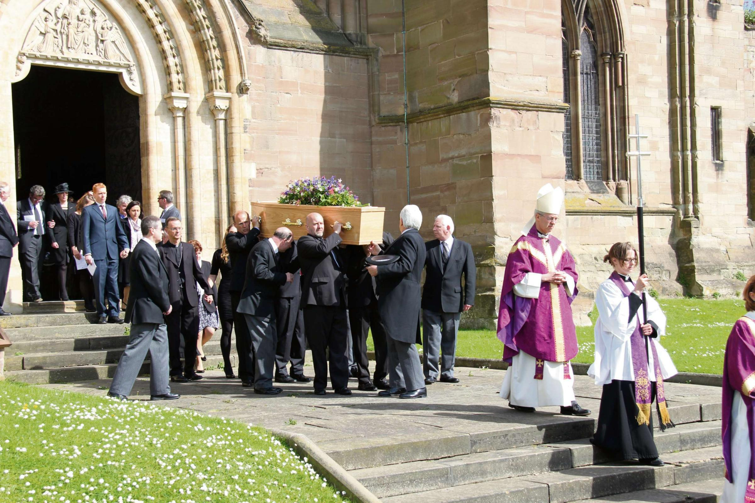 Almost 1,000 people celebrate the life of Denise Inge at Worcester Cathedral