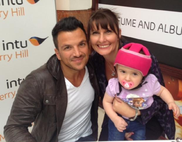 Worcester News: Georgie Gibbs and mum Clare Telford meet Peter Andre