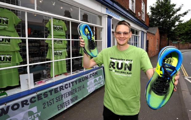 Oli Davey is hosting training sessions prior to Worcester 10K run