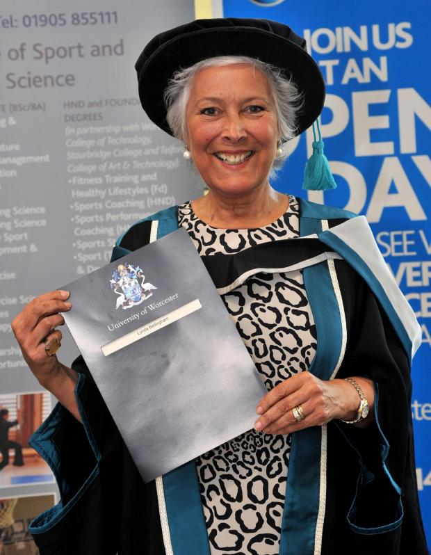 Worcester News: John Anyon                      20/6/14            2514629404  Actress Lynda Bellingham has been awarded a Fellowship of Worcester University (7368450)