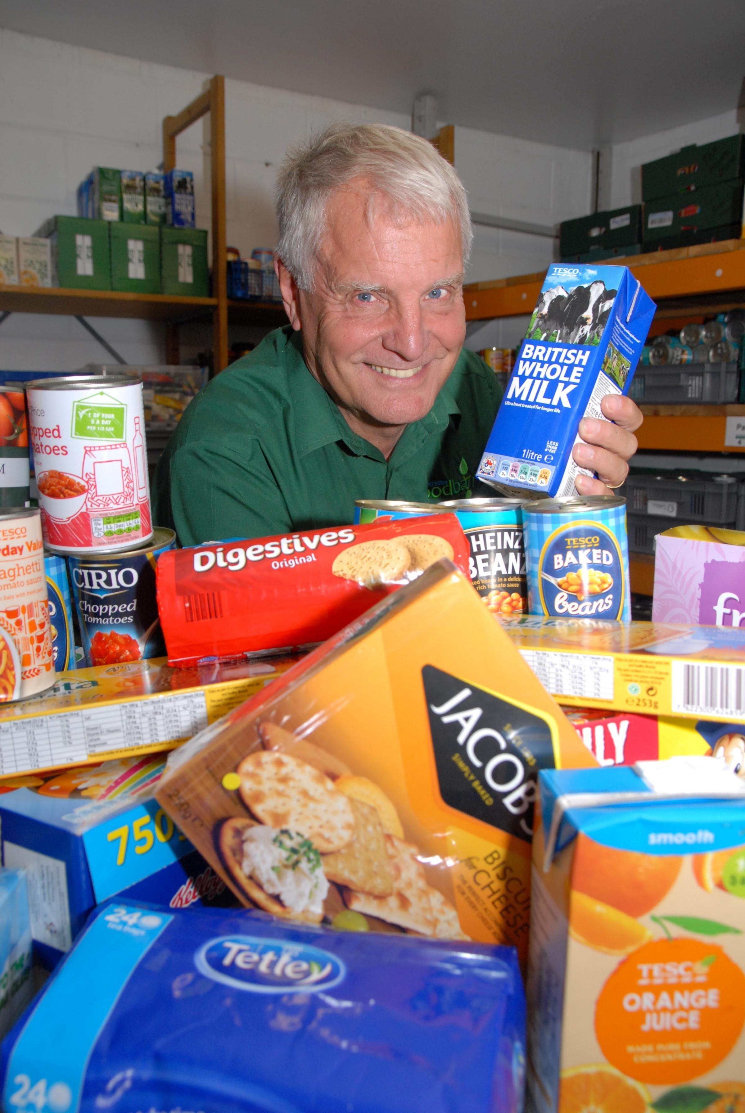 Generous shoppers donate 3.4 tonnes of food