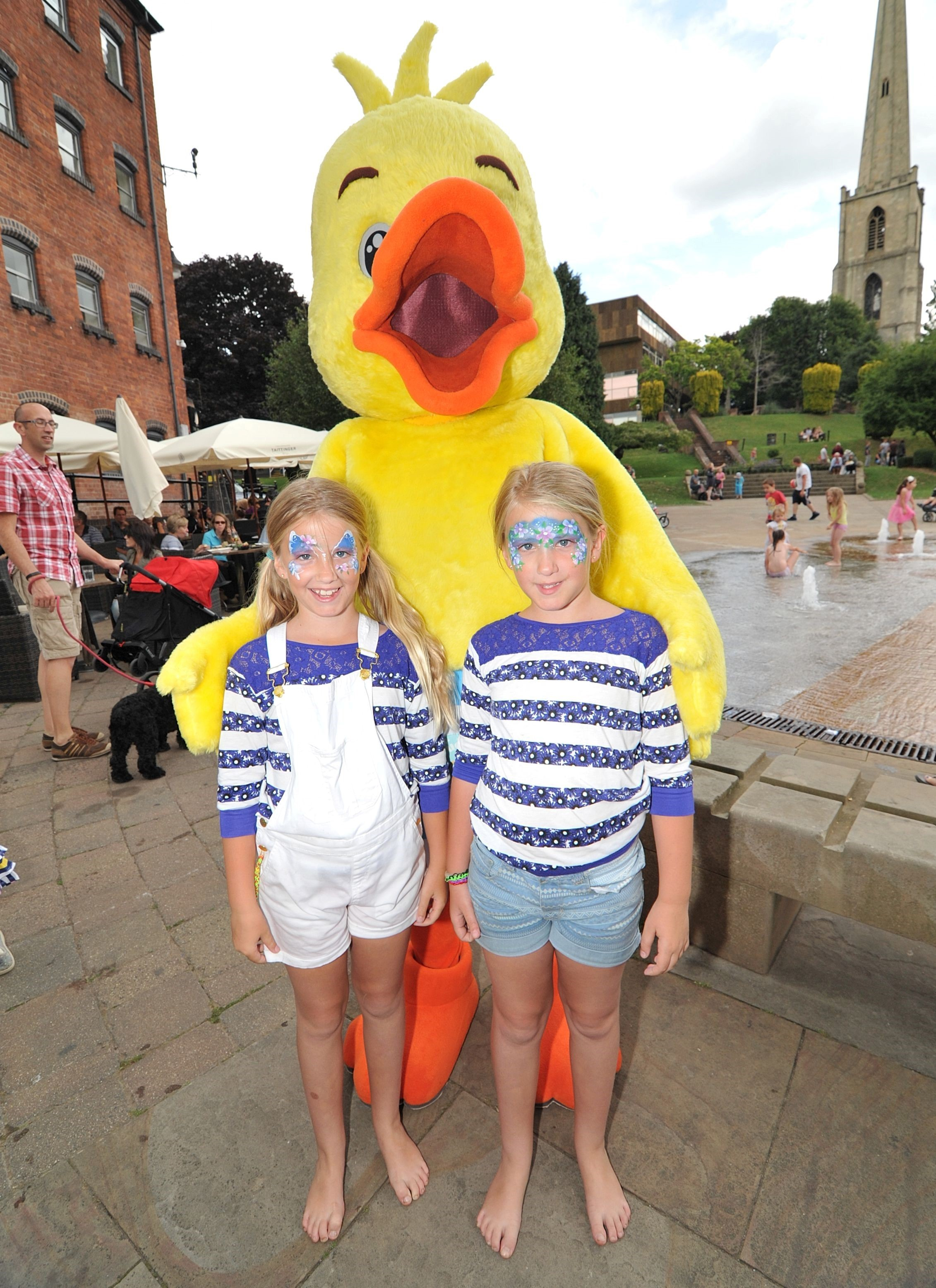 Duck race sends crowds quackers at Worcester Festival