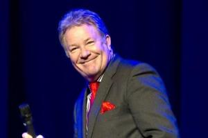 Comedian Jim Davidson says sorry and blames fear of heights for cancelling Worcestershire gig at 11th hour