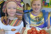 Walk like an Egyptian: Thomas Hadwell-Homer, seven, and Daisy Sinclair, eight, have fun mummifying tomatoes (s)