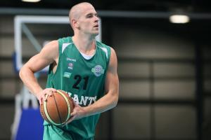 Worcester Wolves sign former Manchester Giants player Ben Eaves