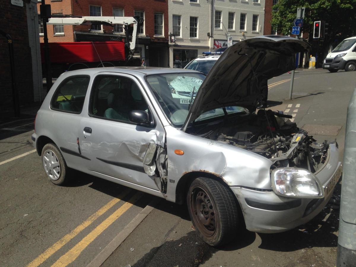 VIDEO: Car crash in Quay Street, Worcester | Worcester News