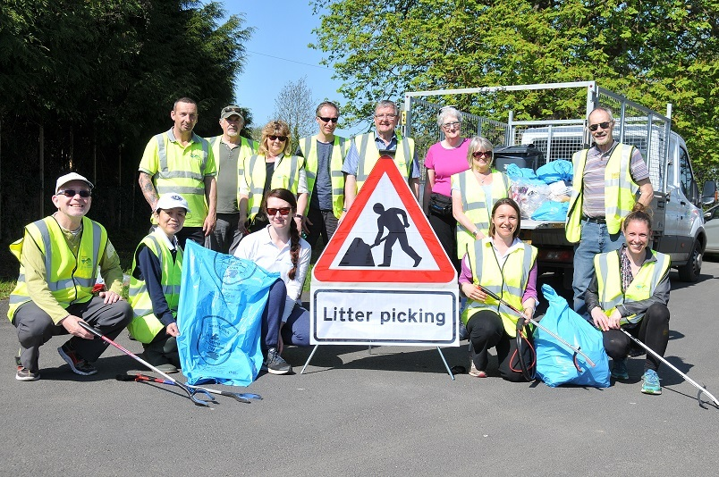 The Litter Heroes clean up in Newland.