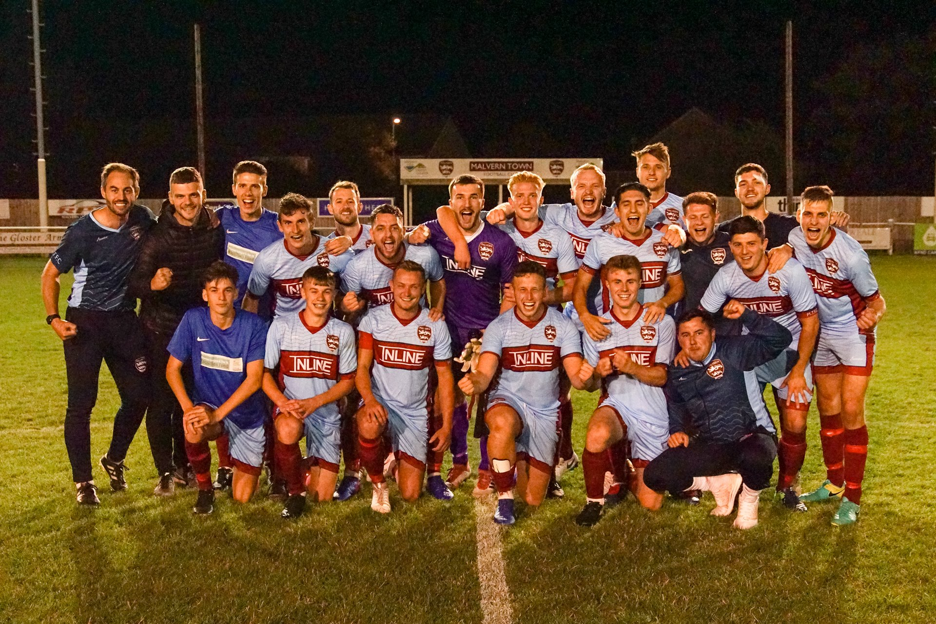 Malvern Town celebrate their FA Cup victory. Picture: CLIFF WILLIAMS
