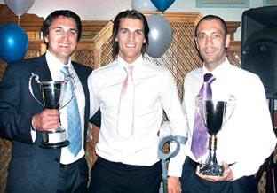Richard Dryden (left) with the 2009 supporters' and players' player of the year Shabir Khan (centre) and assistant manager Carl Heeley.