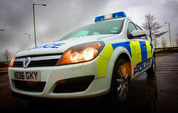 Armed robber with 'hammer' raids Bromsgrove newsagents