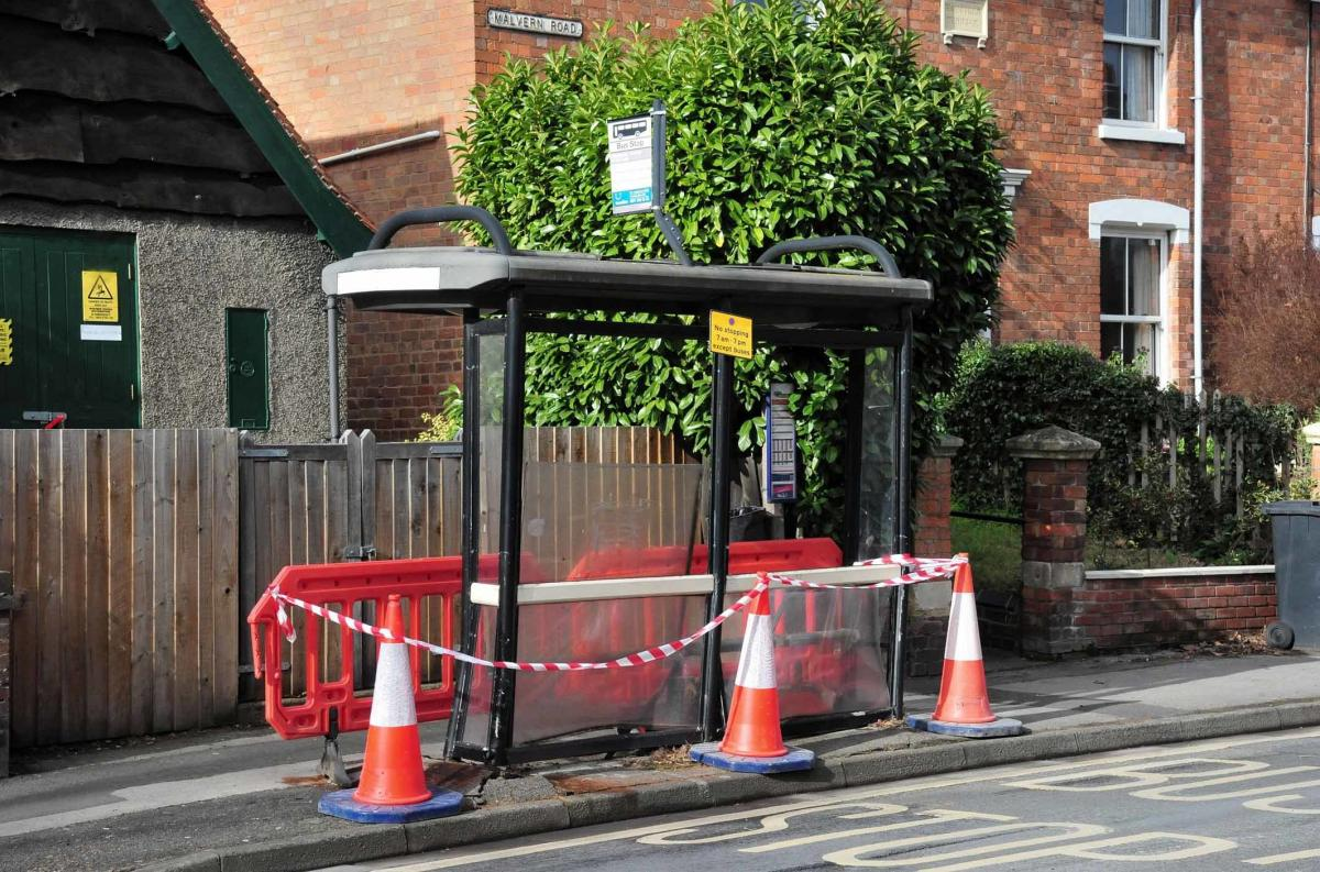 Car crashes into bus shelter in Malvern Road, Worcester   Worcester News