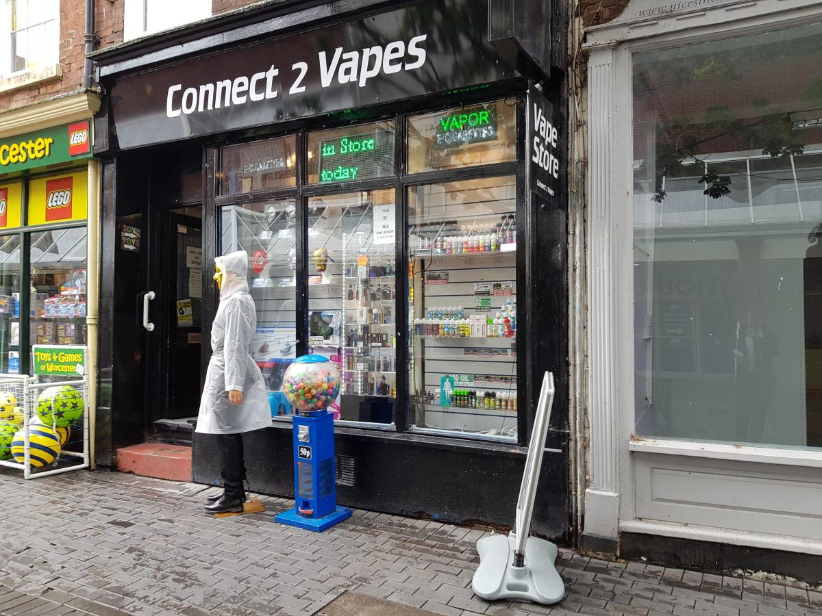 Group of vandals hits Worcester vape shop in the dead of night
